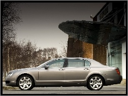 Bentley Continental Flying Spur, Limuzyna
